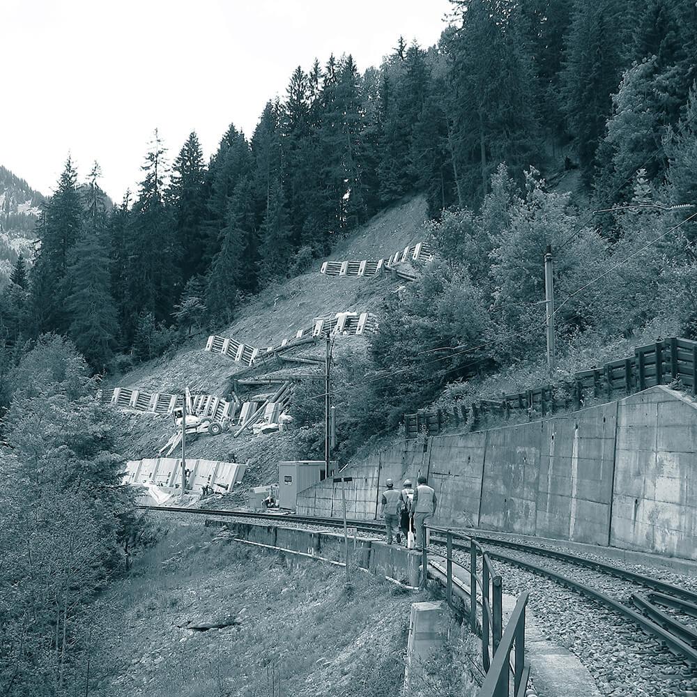 Rhätische Bahn Arosalinie Grosstobel St. Peter GR | Hangsicherung mit vorgespannten Ankern