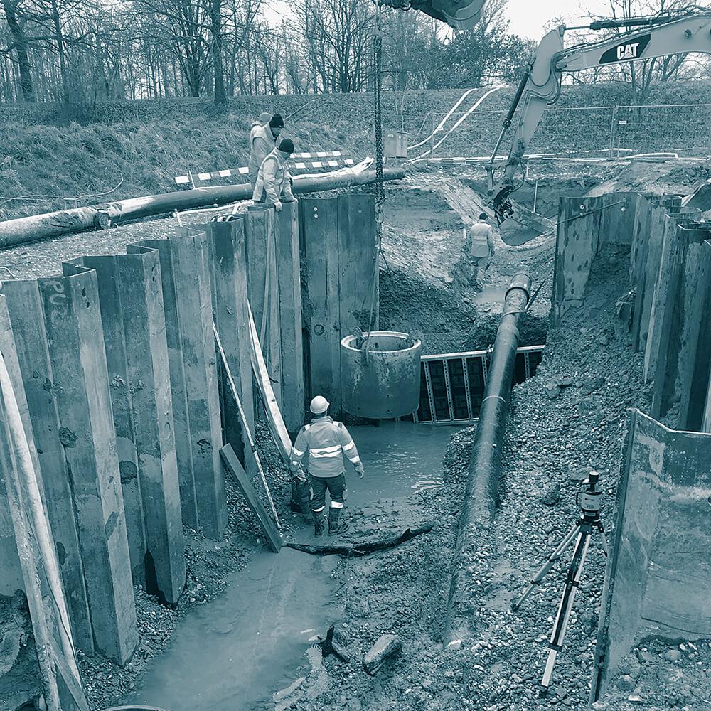 Erweiterung Deponie Tambrig ZH | Neubau Unterhaltsschacht für Abwasserleitung in die Reuss, offene Wasserhaltung